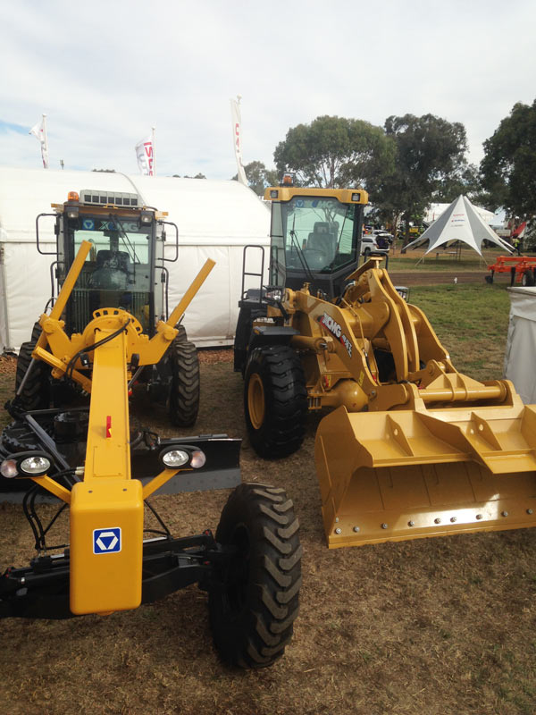 Farmfest - loaders for sale - XCMG GR135a