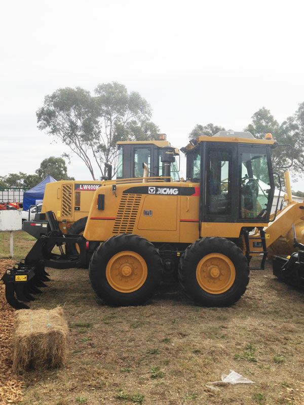 Farmfest-loaders for sale -XCMG LW400K