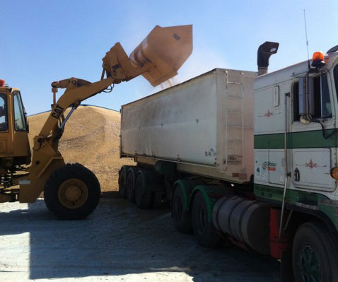loader excavator earthmoving attachments - 1